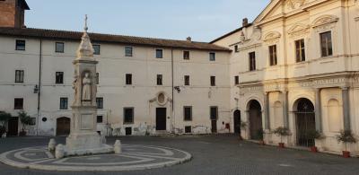 Piazza S.Bartolomeo all'isola