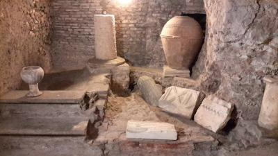 Sotterranei della chiesa di Santa Susanna - scheda da fare